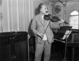 Einstein and violin